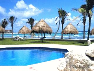 Villa Ixchel Caribbean Pool and Beach